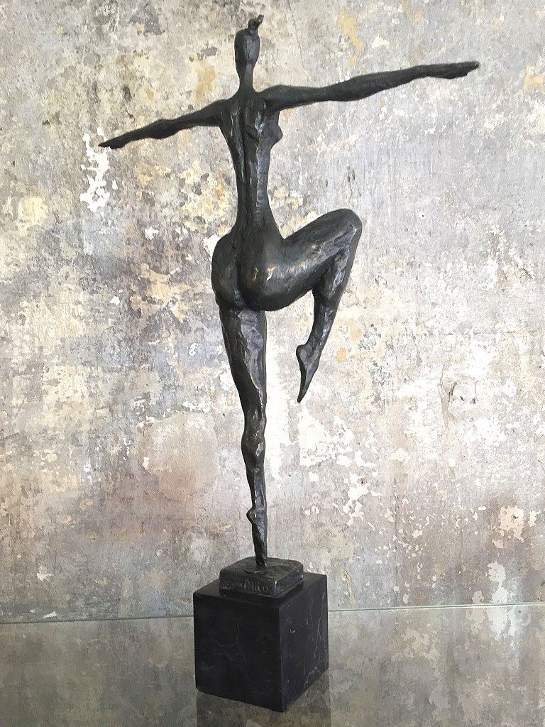 Rückansicht Milo Frauenskulptur Bronze