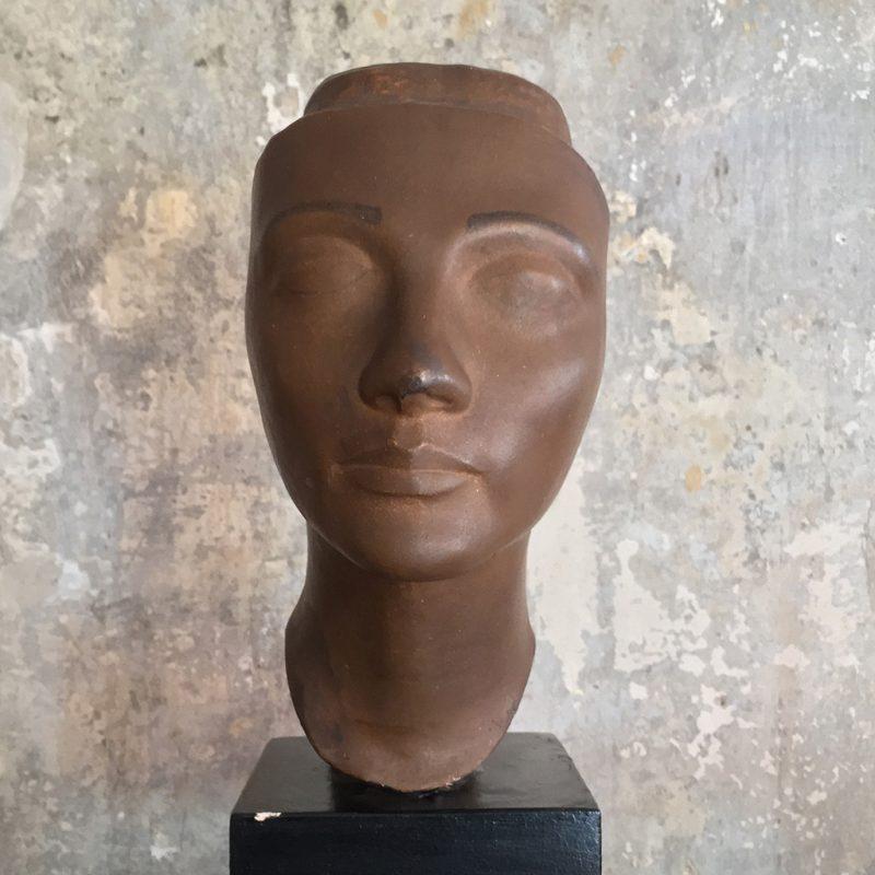 Art Deko Metallkopf auf Keramiksockel