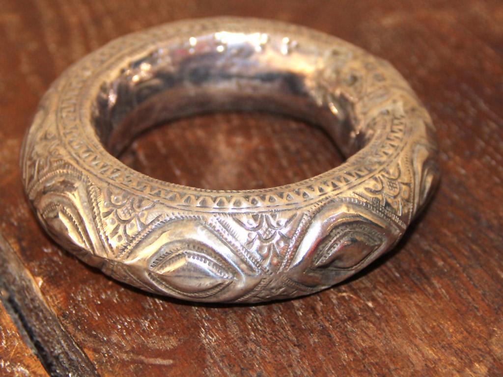 Handgearbeiteter Silberarmreif – sehr Vintage – aus Marokko