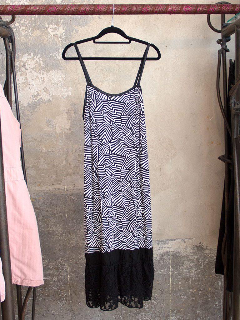 Figurbetontes Kleid Spaghettiträger