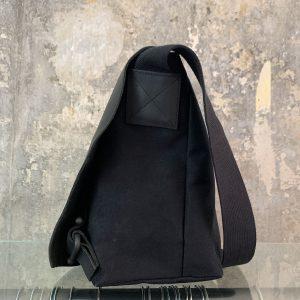 Leder-Canvas Handtasche von Oska, schwarz